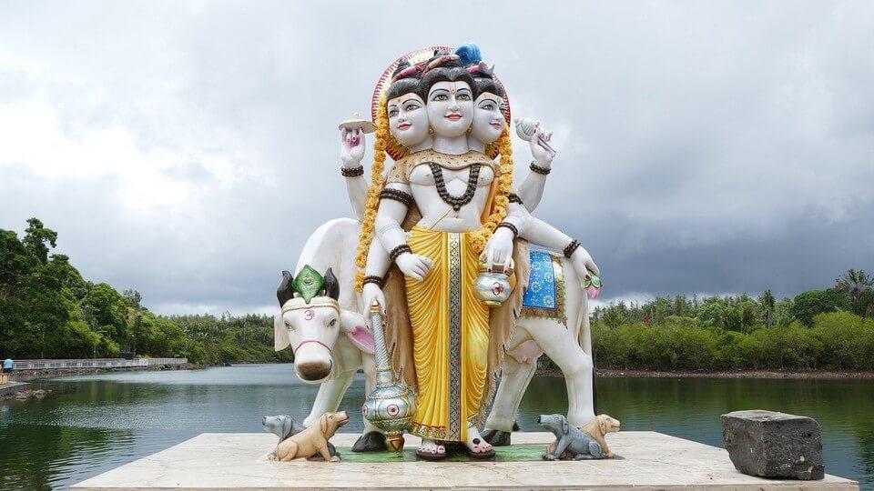 statue hindoue grand bassin lac que faire à l'île Maurice ?