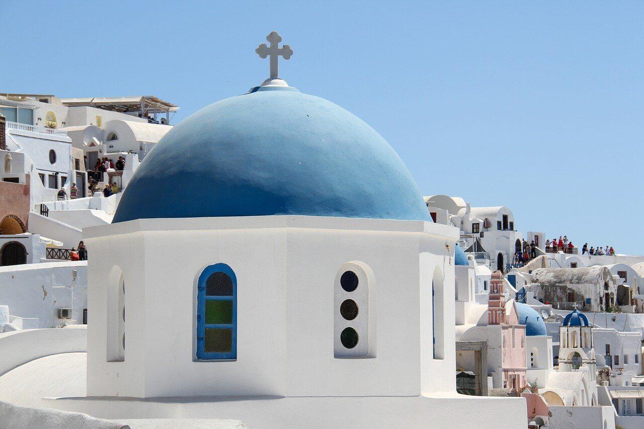 santorin chapelle toit bleu