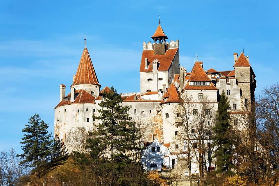 chateau en roumanie vrai château de dracula