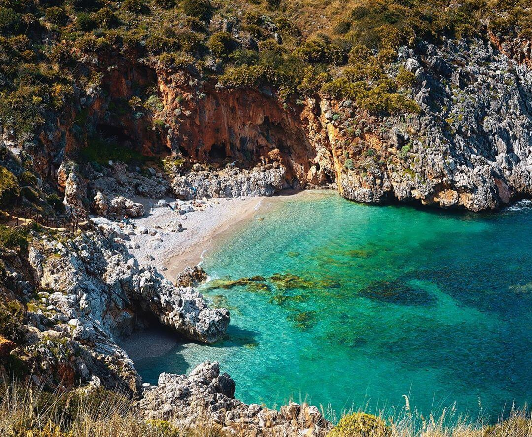 crique mer turquoise réserve naturelle du Zingaro