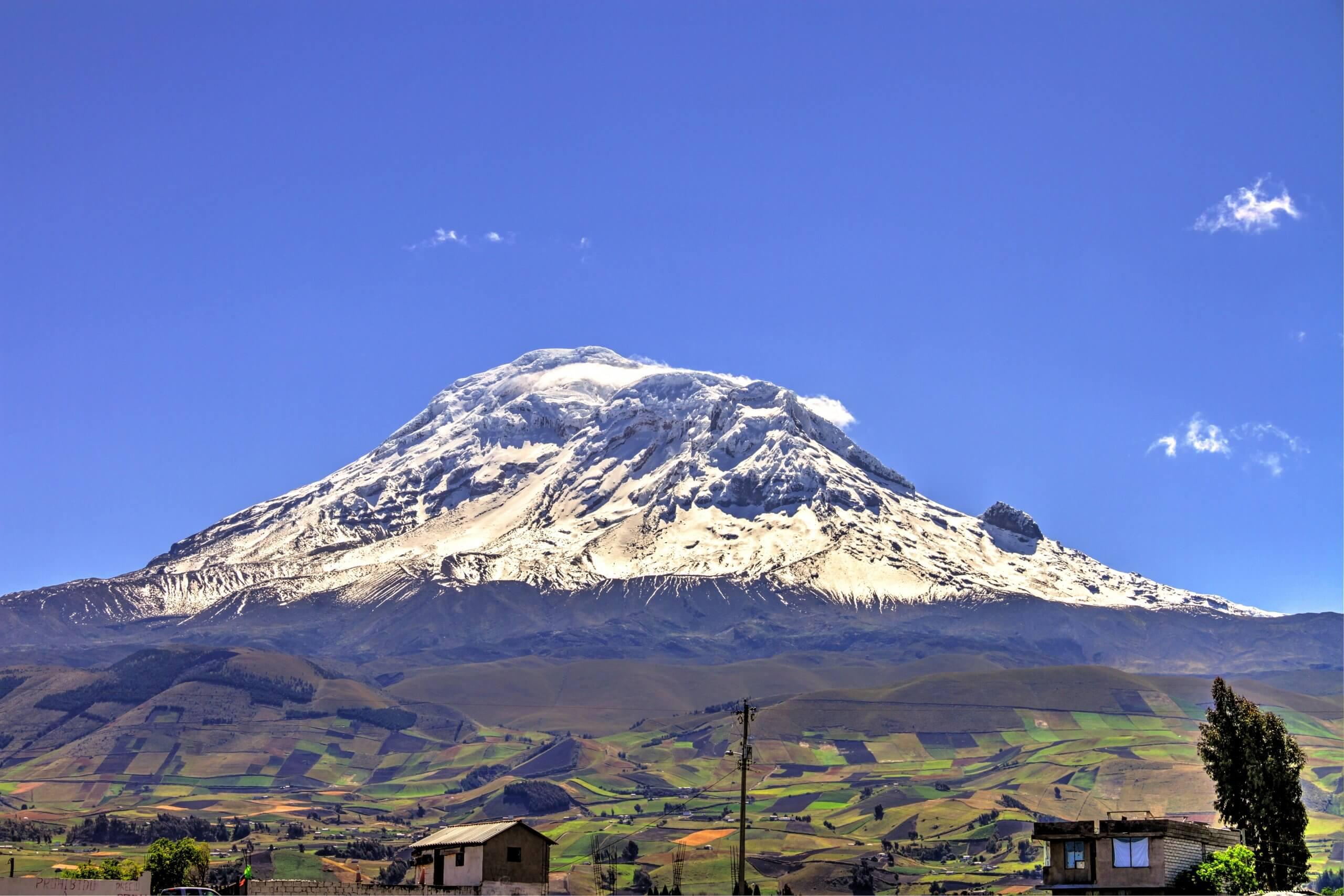 Les sommets enneigés du volcan Chimborazo n'attirent pas que les alpinistes aguerris.