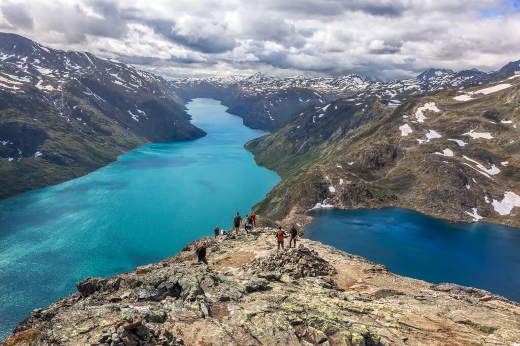 La randonnée de Beggessen en Norvège vous permettra de contempler de magnifiques paysages et avoir des vues imprenables sur les lacs Gjende et Bessvatnet.