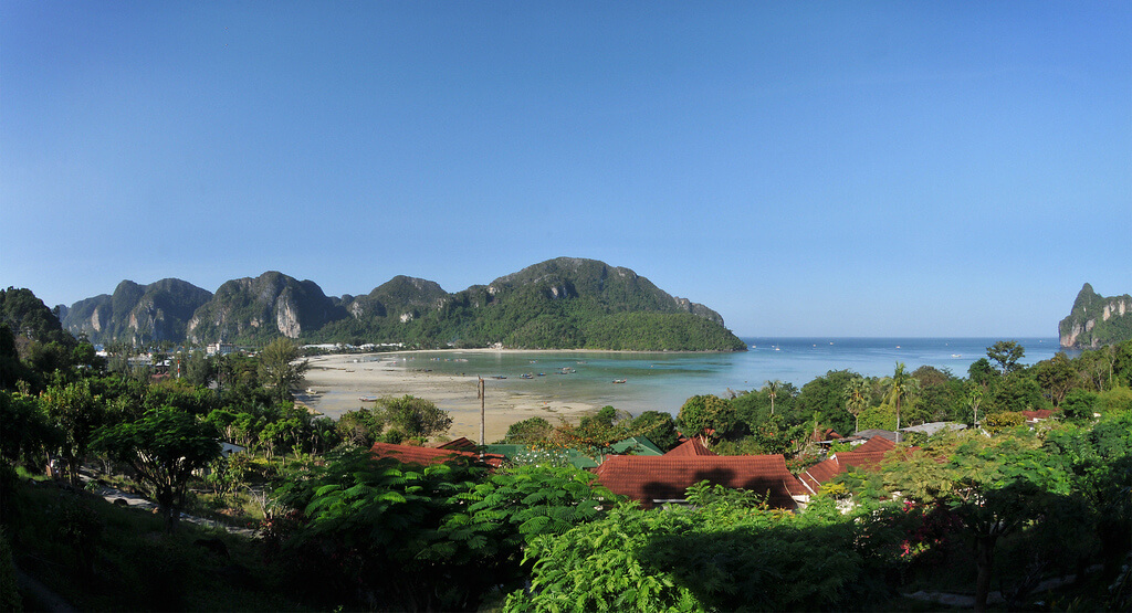 Koh Phi Phi : [city] Koh Phi Phi :: day