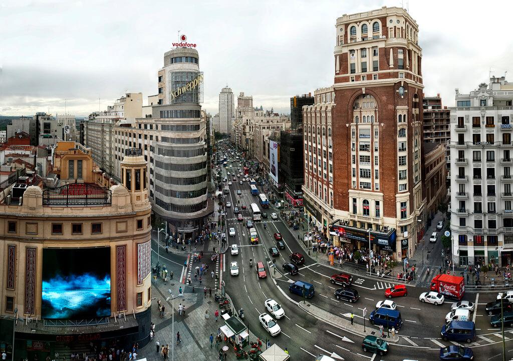 Madrid : 40-52. Panoramicas. La Gran Vía: De Madrid al Cielo.