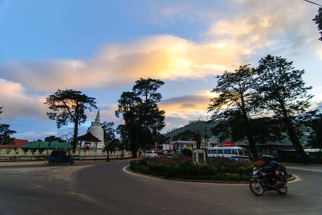 Nuwara Eliya : Sunset on Nuwara Eliya