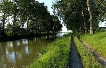 Photo de : Longer le canal du Midi