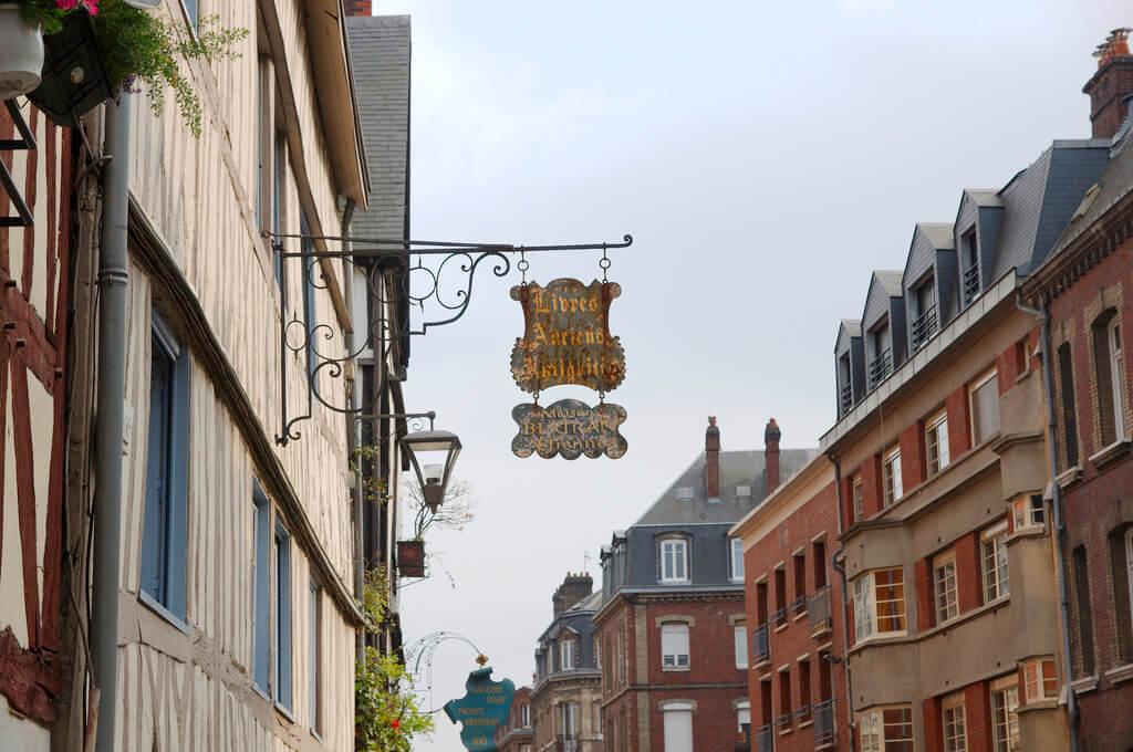 Rouen (Seine-Maritime) : Livres anciens, antiquités