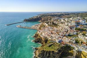 Albufeira : Le port de plaisance et les falaises d'Albufeira