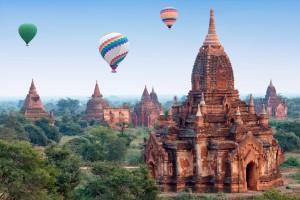 Birmanie (Myanmar) : Mongolfières au-dessus de Bagan