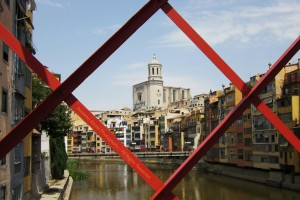 Catalogne : Espanha – Girona - A Catedral de Girona consagrada a Santa Maria, encontra-se no ponto mais alto da cidade e possui a maior nave gótica do mundo, e a