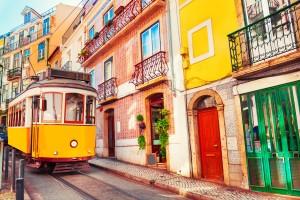 Lisbonne : Tramway vintage jaune à Lisbonne