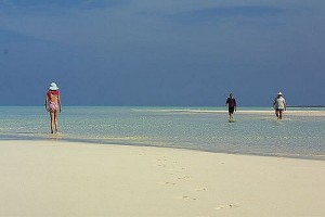 Marsh Harbour : Beach walk Abacos