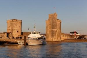Poitou-Charentes : La Rochelle  - entrée du vieux port