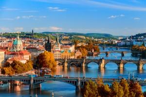 République tchèque : La Rivière Vltava et les ponts qui l'enjambe à Prague
