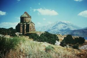Van : Turquie, lac de Van - église arménienne dans l'ilôt d'Akhtamar