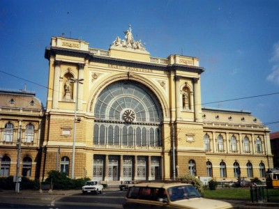 Hongrie : Budapest  Keleti pályaudvar railway station May 1988