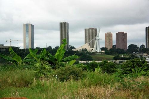 Centre ville d'Abidjan et la cathédrale Saint-Paul