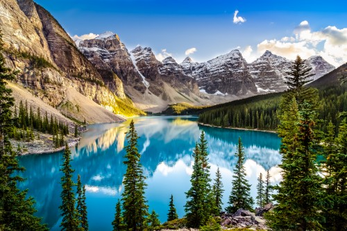Canada : Morain lake en Alberta, Canada