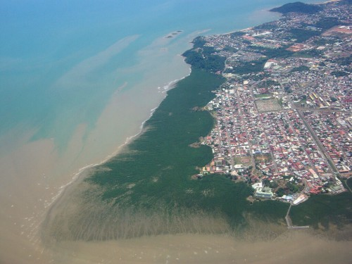 Cayenne : Aerial view of Cayenne and its mangrov