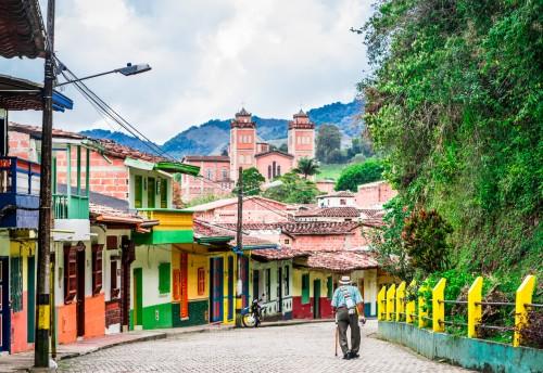 Colombie : Rues colorées dans le centre de Jerico, Colombie