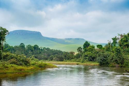 Congo : Rivière dans la Jungle au Congo