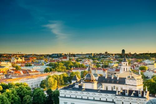 Lituanie : Lever du soleil sur la ville de Vilnius en été