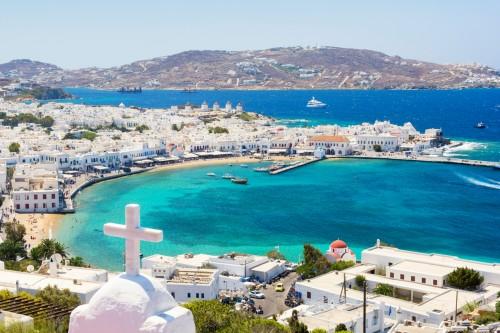 Mykonos : Vue depuis l'île de Mykonos dans les Cyclades