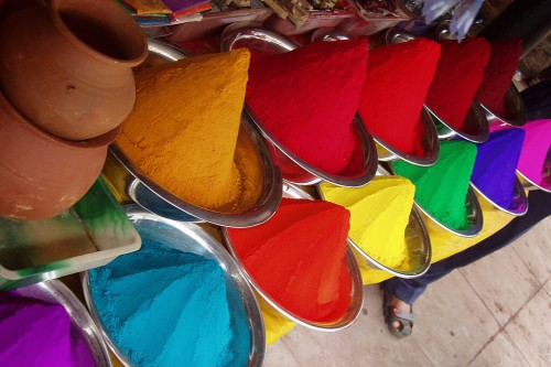 Tos : United colours of India