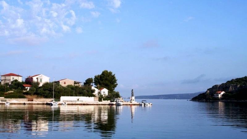 L'île de Drvenik Veliki