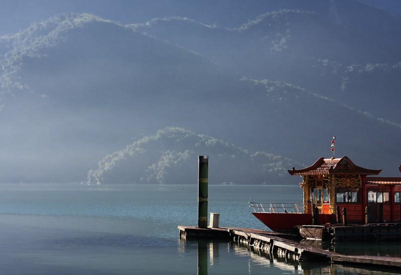 Le Sun Moon Lake