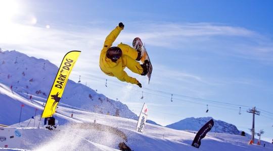 Découvrez les stations de ski où il est possible de skier au mois d'Avril en France et en Europe