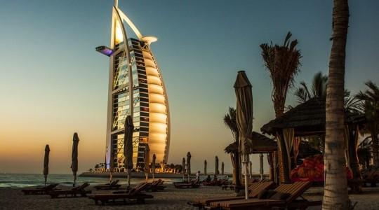 Abu Dhabi ou Dubaï : quelle ville choisir pour votre voyage ?