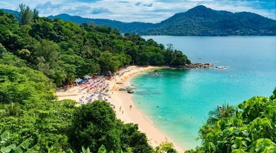 Phuket ou Bangkok : notre comparatif (complet) pour vous aider à choisir entre ces deux destinations !